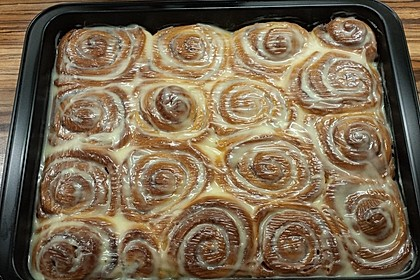 Cinnamon Rolls with Cream Cheese Frosting 148