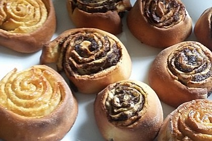 Cinnamon Rolls with Cream Cheese Frosting 103