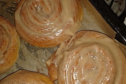 Cinnamon Rolls with Cream Cheese Frosting 96