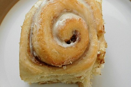 Cinnamon Rolls with Cream Cheese Frosting 84