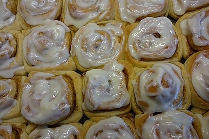 Cinnamon Rolls with Cream Cheese Frosting 134