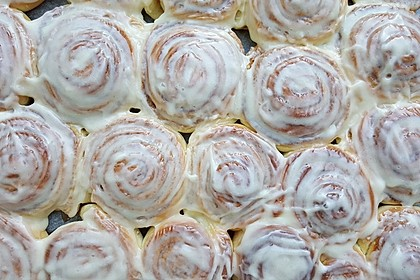 Cinnamon Rolls with Cream Cheese Frosting 146