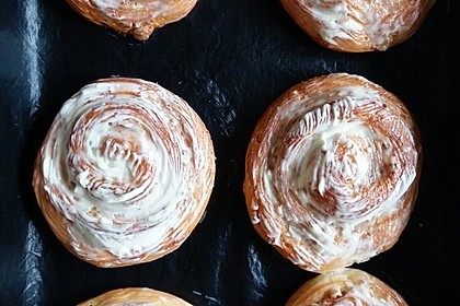 Cinnamon Rolls with Cream Cheese Frosting 140