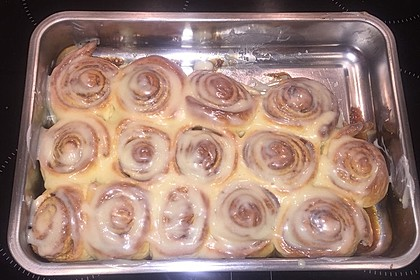Cinnamon Rolls with Cream Cheese Frosting 135