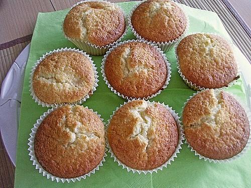 mandarinen joghurt muffins la ikea rezept mit bild. Black Bedroom Furniture Sets. Home Design Ideas