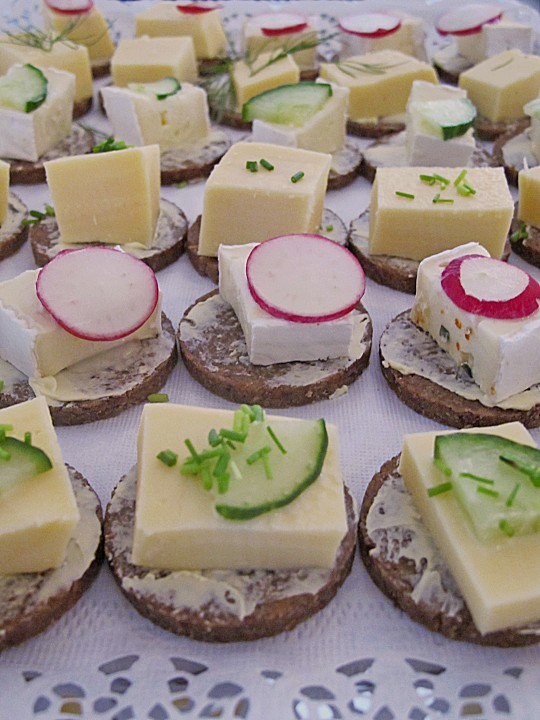 pumpernickel gouda fingerfood rezept mit bild von jzillikens. Black Bedroom Furniture Sets. Home Design Ideas