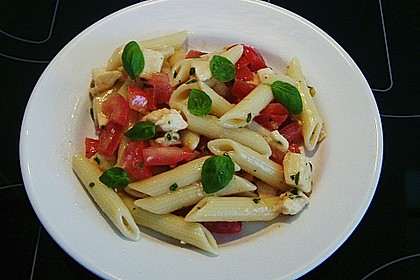 Nudel-Tomaten-Mozzarella-Salat 4