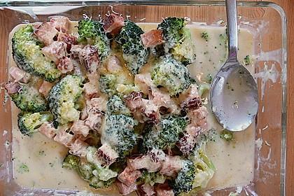 Überbackener Brokkoli-Leberkäse Auflauf 1