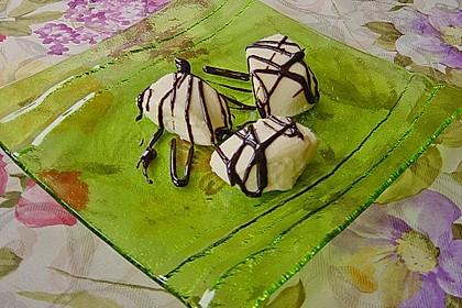 Mascarpone-Panna Cotta mit Erdbeersauce 9