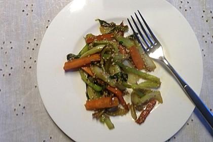 Schnelles Pak Choi-Karotten-Gemüse 36
