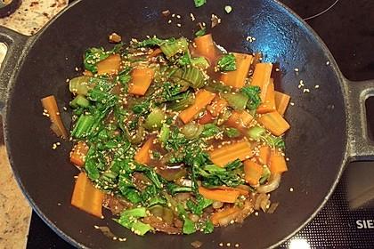 Schnelles Pak Choi-Karotten-Gemüse 37