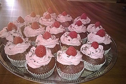 Schoko-küsst-Himbeer Cupcakes 30