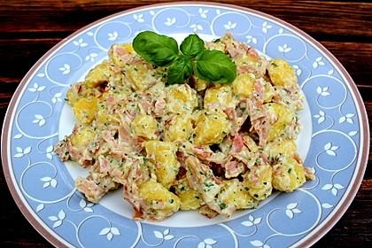 Gnocchi mit Käse-Knoblauch-Schinken-Soße 11