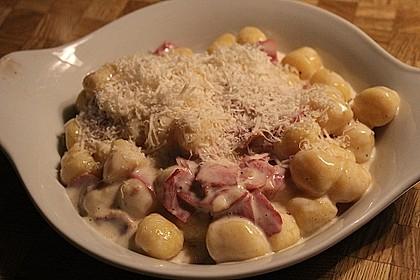Gnocchi mit Käse-Knoblauch-Schinken-Soße 14