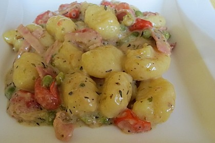 Gnocchi mit Käse-Knoblauch-Schinken-Soße 32