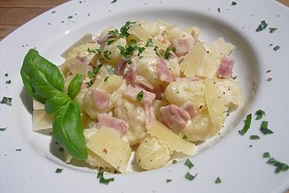 Gnocchi mit Käse-Knoblauch-Schinken-Soße 6