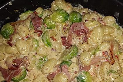 Gnocchi mit Käse-Knoblauch-Schinken-Soße 27