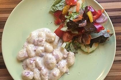 Gnocchi mit Käse-Knoblauch-Schinken-Soße 34