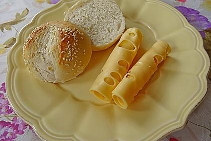 Milchbrötchen mit Sesamkruste 1