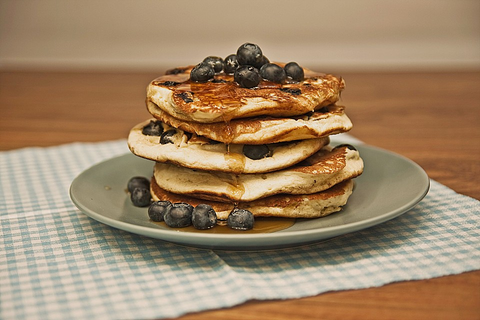 blaubeer pancakes rezept mit bild von. Black Bedroom Furniture Sets. Home Design Ideas