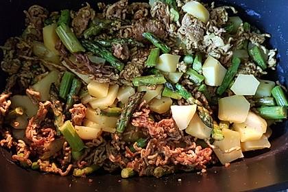 Spargel-Hack Pfanne mit grünen Bohnen und Pellkartoffeln 4
