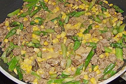 Spargel-Hack-Pfanne mit grünen Bohnen und Pellkartoffeln 6
