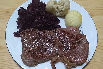 Rindersteaks mit Rotwein-Zwiebel Sahnesauce 3