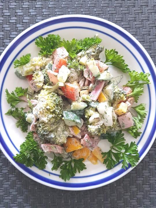 brokkoli salat la petra rezept mit bild von gittili. Black Bedroom Furniture Sets. Home Design Ideas