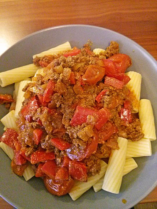 spaghetti mit hackfleisch gem se rahm und tomaten von livian. Black Bedroom Furniture Sets. Home Design Ideas