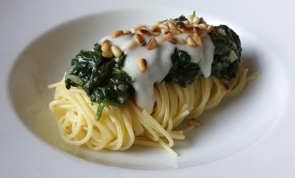 spaghetti mit veganer spinat sour cream rezept mit bild. Black Bedroom Furniture Sets. Home Design Ideas