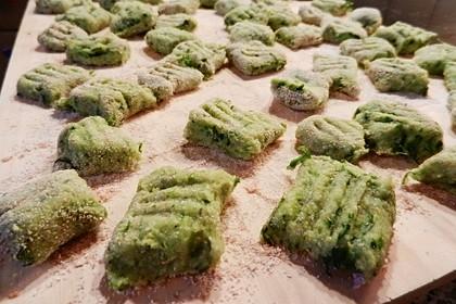 Bärlauch-Gnocchi mit frischem Bärlauch 8