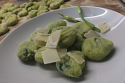 Bärlauch-Gnocchi mit frischem Bärlauch 2