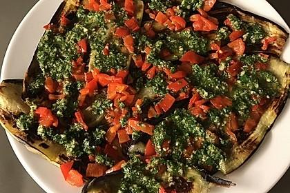 Aubergine-Paprika mit Petersilie-Knoblauch Soße 1