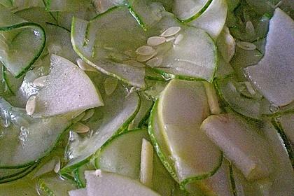Koreanischer Gurken-Apfelsalat 0