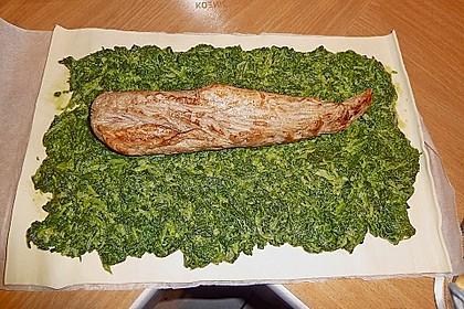 Blätterteigrolle mit Schweinefilet und Spinat 8
