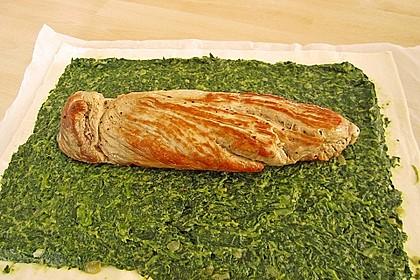 Blätterteigrolle mit Schweinefilet und Spinat 9