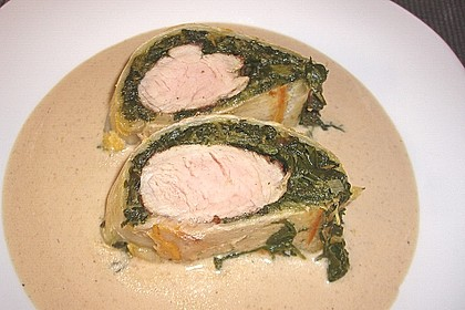 Blätterteigrolle mit Schweinefilet und Spinat 3