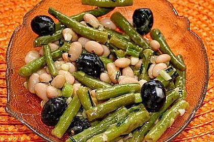 Bohnensalat mit schwarzen Oliven 1