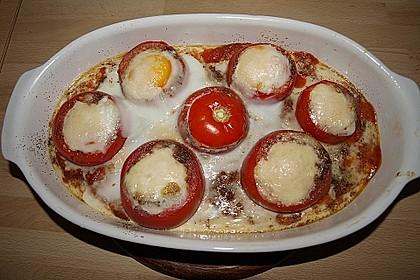 Eier im Tomatenhaus 8