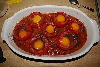 Eier im Tomatenhaus 12