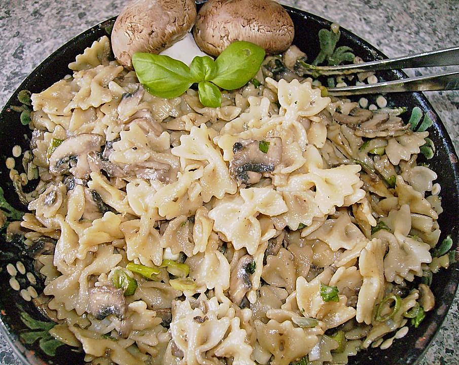 pasta salat mit pilzen von kochschlumpf. Black Bedroom Furniture Sets. Home Design Ideas