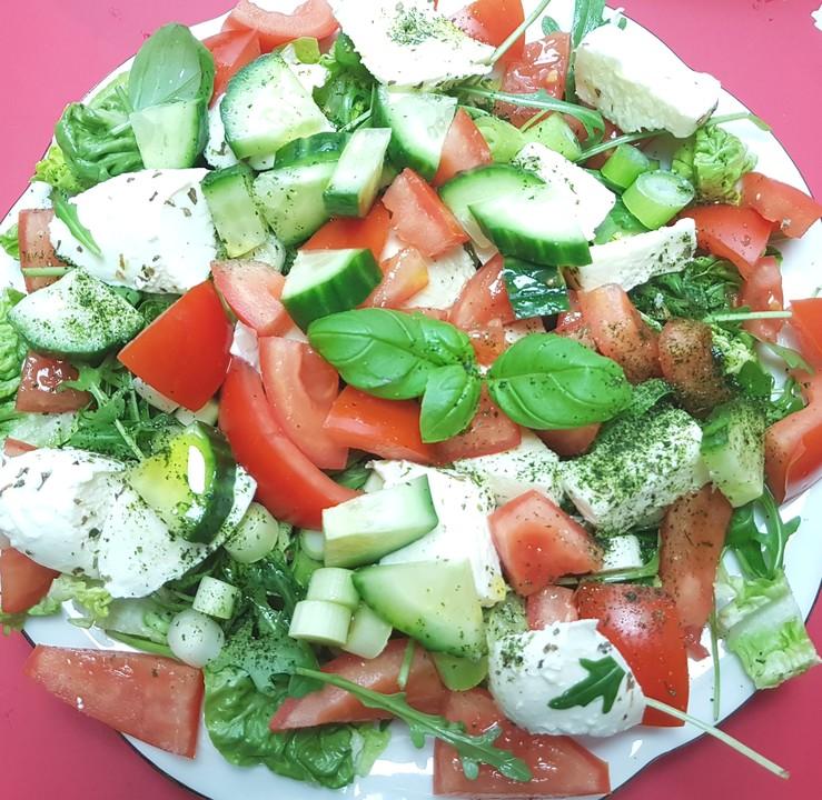 gurken tomaten salat von rosanna7. Black Bedroom Furniture Sets. Home Design Ideas