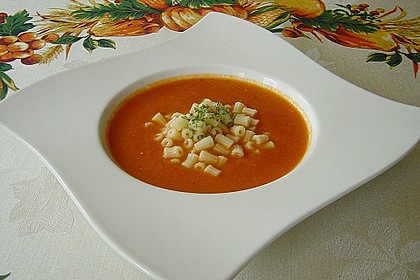 Tomatensuppe mit Nudeln nach Oma Josi 1