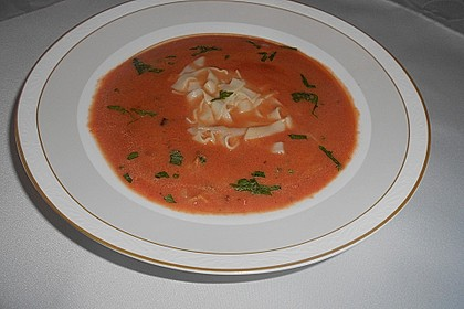 Tomatensuppe mit Nudeln nach Oma Josi 6