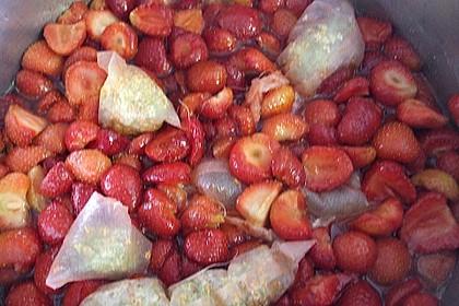 Erdbeer-Holunderblüten-Konfitüre 2