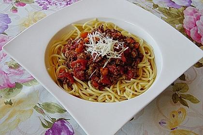 Spaghetti mit feiner Hackfleischsauce 3