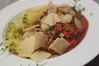 Spaghetti mit feiner Hackfleischsauce