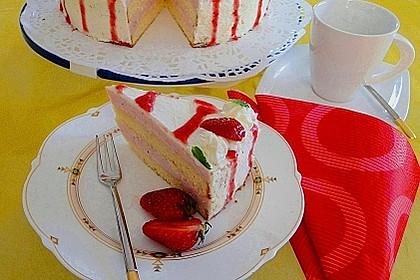 Erdbeer-Joghurt-Sekt-Torte