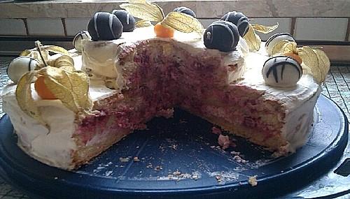 himbeer sahne torte rezept mit bild von wiktasch. Black Bedroom Furniture Sets. Home Design Ideas