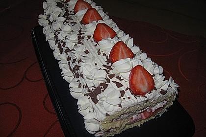 Erdbeer-Sahnerolle 5